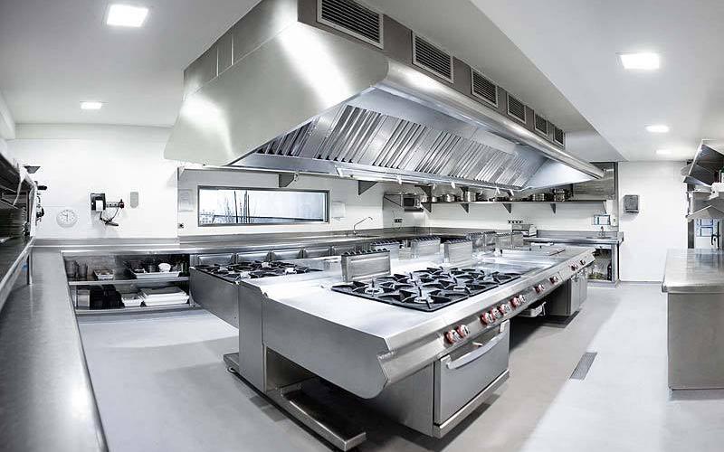 Các thiết bị bếp bằng inox có vẻ đẹp sang trọng, sáng bóng và bắt mắt